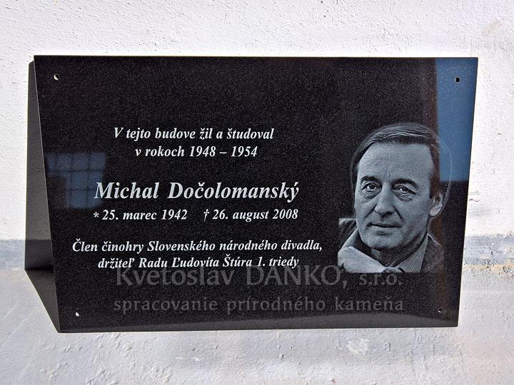 Pamätná tabuľa pre Michala Dočolomanského